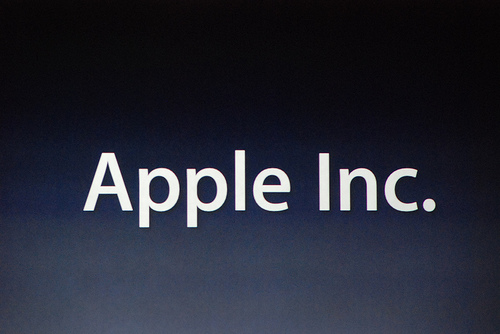 Is Apple Showing Signs of Losing Market Share ?